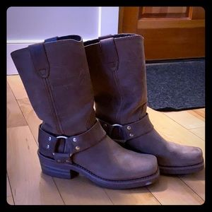 Dingo Molly boots size 6.5